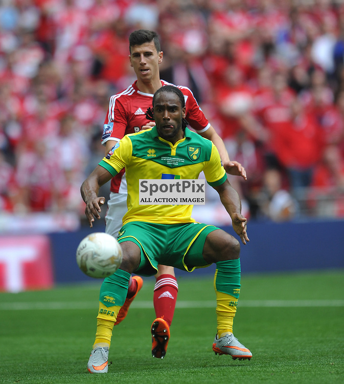 Norwich Cameron Jerome takes on Moddlebrough Defence, Middlesbrough v Norwich, Sky Bet Championship, Wembley Stadium, Monday  25th May 2015