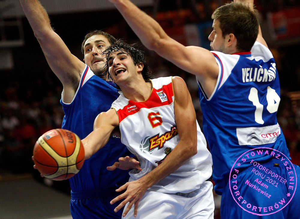 Katowice 20/09/2009.EuroBasket 2009.Final .Spain v Serbia.Nenead Krstic and Novica Velickovic of Serbia and Ricard Rubio of Spain ..Photo by : Piotr Hawalej / WROFOTO