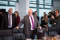 DEU, Deutschland, Germany, Berlin, 09.01.2019: Bundesinnenminister Horst Seehofer (CSU) und Bundeswirtschaftsminister Peter Altmaier (CDU) vor Beginn der 36. Kabinettsitzung im Bundeskanzleramt.