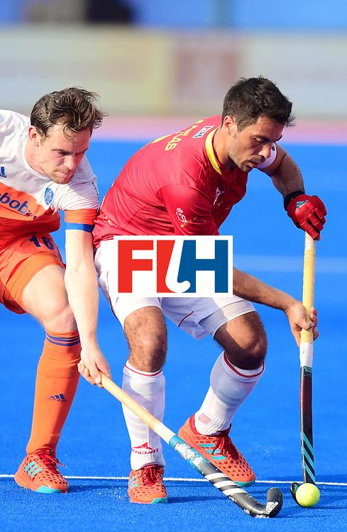 Odisha Men's Hockey World League Final Bhubaneswar 2017<br /> Match id:04<br /> Netherlands vs Spain<br /> Foto: Miguel Delas (Esp) in dual with Mirco Pruijser (Ned)   <br /> WORLDSPORTPICS COPYRIGHT FRANK UIJLENBROEK