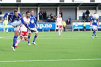 1. divisjon fotball 2015: Hødd - Fredrikstad. Hødds Michael Karlsen skyter i førstedivisjonskampen mellom Hødd og Fredrikstad på Høddvoll.