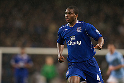 MANCHESTER, ENGLAND - Monday, February 25, 2008: Everton's Joseph Yobo in action against Manchester City during the Premiership match at the City of Manchester Stadium. (Photo by David Rawcliffe/Propaganda)