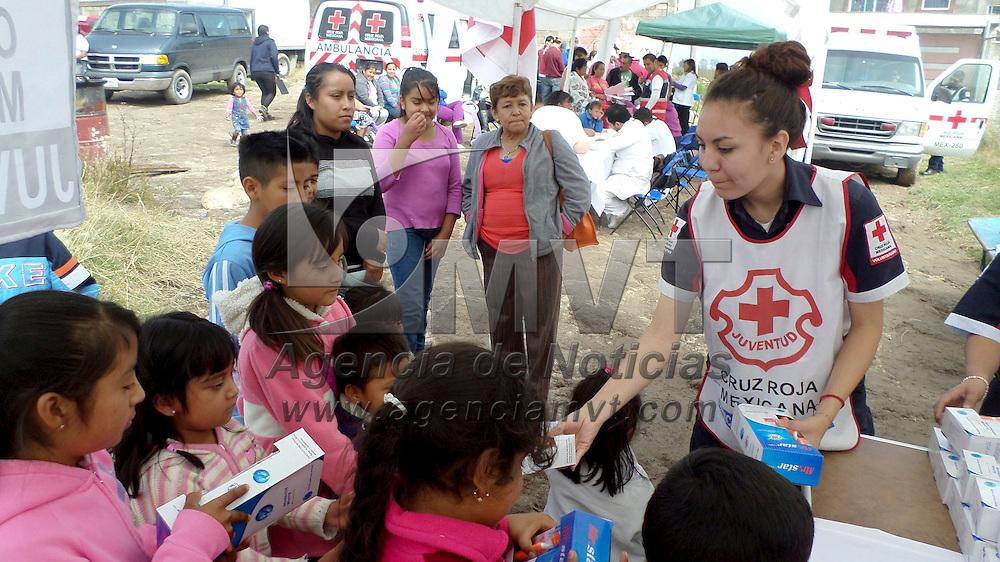 Toluca, México.- Cruz Roja Mexicana Estado de México desarrolló una Feria de la Salud en el municipio de Teoloyucan, en donde se brindó orientación y atención sobre higiene personal, prevención de la salud, enfermedades de transmisión sexual y salud dental.  Agencia MVT / Especial Cruz Roja