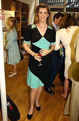 The HON.ZOE TRYON at an exhibition of art by Oscar Humphries entitles 'Post-Nuclear Family' held at Nutters, Lower Ground, 12 Savile Row, London on 8th June 2006.<br /><br />NON EXCLUSIVE - WORLD RIGHTS