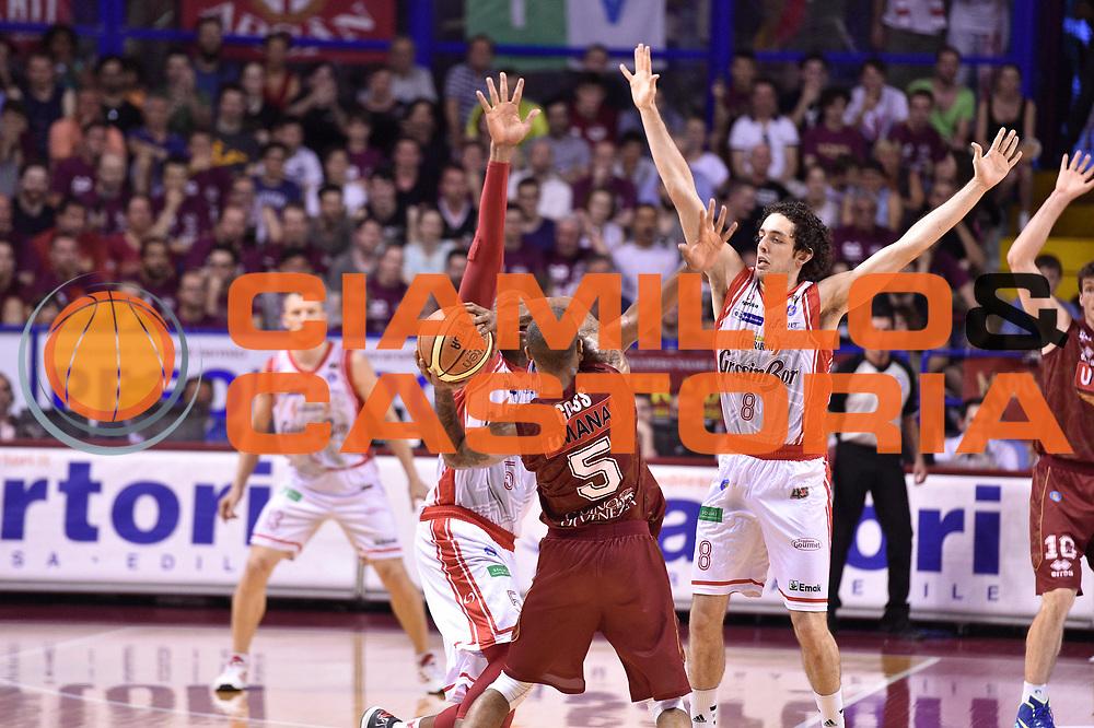 DESCRIZIONE : Venezia Lega A 2014-15 Umana Venezia-Grissin Bon Reggio Emilia  playoff Semifinale gara 5<br /> GIOCATORE : Cinciarini Andrea<br /> CATEGORIA : Palleggio<br /> SQUADRA : GrissinBon Reggio Emilia<br /> EVENTO : LegaBasket Serie A Beko 2014/2015<br /> GARA : Umana Venezia-Grissin Bon Reggio Emilia playoff Semifinale gara 5<br /> DATA : 07/06/2015 <br /> SPORT : Pallacanestro <br /> AUTORE : Agenzia Ciamillo-Castoria /GiulioCiamillo<br /> Galleria : Lega Basket A 2014-2015 Fotonotizia : Reggio Emilia Lega A 2014-15 Umana Venezia-Grissin Bon Reggio Emilia playoff Semifinale gara 5<br /> Predefinita :
