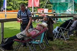 Relaxing fans<br /> Donaueschingen - CHI mit Europameisterschaft Gespannfahren 2019<br /> Dressage Four-in-hand horses Driving European Championship<br /> Vierspänner Dressur<br /> 16. August 2019<br /> © www.sportfotos-lafrentz.de/Stefan Lafrentz