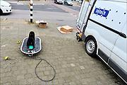 Nederland, The Netherlands, die Niederlande, Nijmegen, 6-3-2015 Personeel, medewerkers, van het technisch installatieconcern Imtech doen aanpassingen aan de verkeerslichten op een kruispunt in de stad. Imtech is een Europese technische dienstverlener. Ze combineren hoogwaardige elektrotechniek, automatisering en werktuigbouw. Foto: Flip Franssen/ Hollandse Hoogte