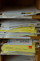 03 SEP 2002, BERLIN/GERMANY:<br /> Pressefaecher mit Pressemitteilungen, Bundespressekonferenz<br /> IMAGE: 20020903-01-008<br /> KEYWORDS: Pressefächer, Pressefach