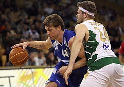 Vladimer Boisa of Zadar vs Miha Zupan of Olimpija at Round 25 of NLB League basketball match between KK Union Olimpija and KK Zadar,  in Arena Tivoli, Ljubljana, Slovenia, on March 14, 2009.  Win of Olimpija 73 : 67. (Photo by Vid Ponikvar / Sportida)