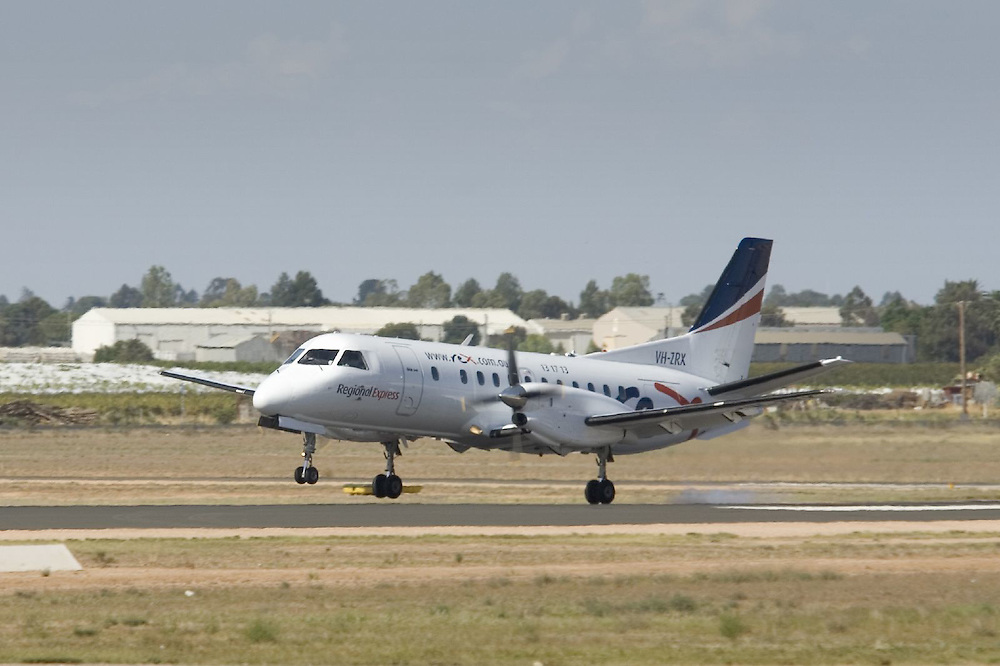 Regional Express (Rex) Saab 340 VH-ZRX lands at Mildura Airport