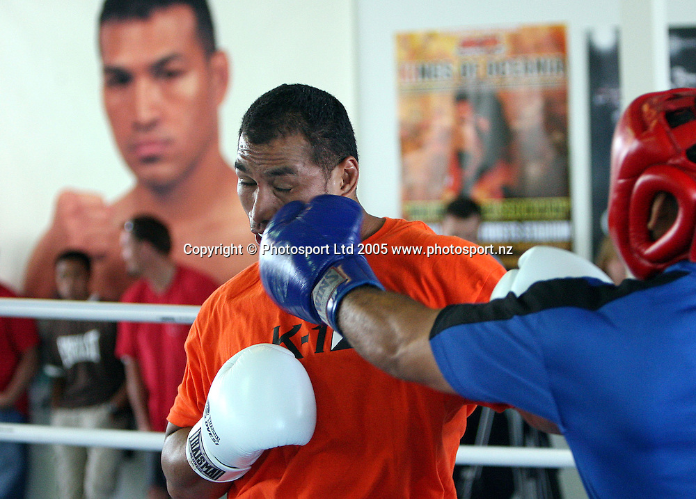 Ray Sefo sparring with a training partner during the official K-1 World Grand Prix Series media session held at the Ray Sefo fight Academy in Auckland, New Zealand on Thursday 16 February 2006. Photo: Andrew Cornaga/PHOTOSPORT<br /><br /><br />146097