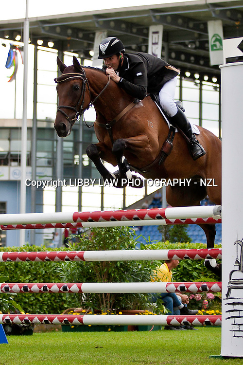 NZL-Jonathan Paget (BULLET PROOF) 2012 GER-CHIO Aachen Weltfest des Pferdesports (Friday) - DHL Preis CICO*** Eventing Showjumping: INTERIM-22ND