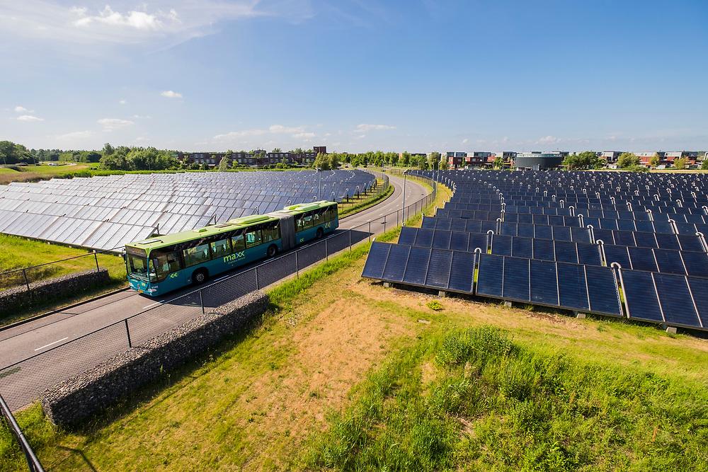 Nederland, Almere, 20170613<br /> Zoneiland bij Almere. Warmwatervoorziening voor hele wijk van Nuon<br /> <br /> Foto: (c) Michiel Wijnbergh