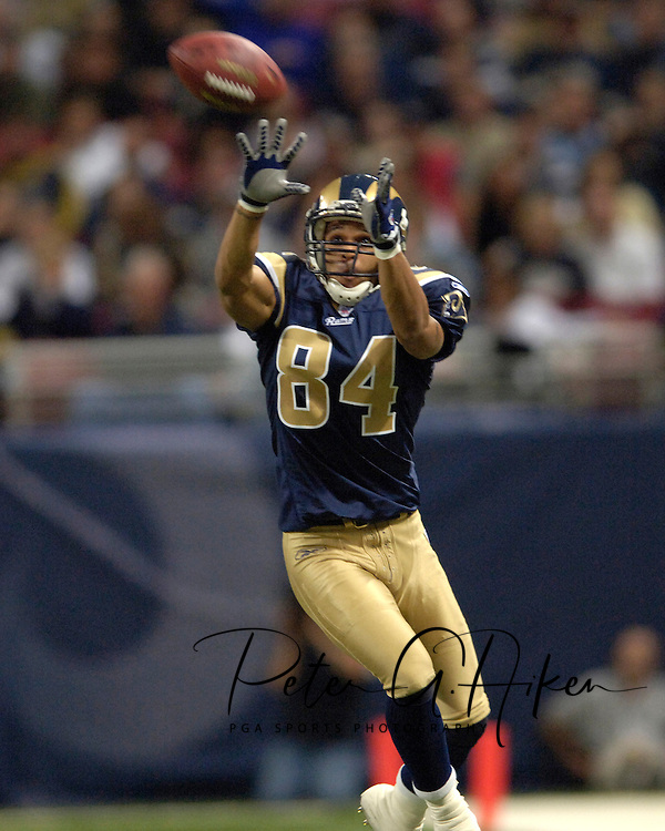 St. Louis Rams wide receiver Shaun McDonald pulls down a 18-yard catch in the second quarter against Jacksonville, at the Edward Jones Dome in St. Louis, Missouri, October 30, 2005.  The Rams beat the Jaguars 24-21.