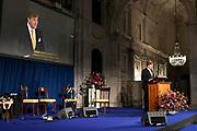 Koning Willem-Alexander reikt in het Koninklijk Paleis de Erasmusprijs uit aan de Amerikaanse journaliste en schrijfster Barbara Ehrenreich.De Erasmusprijs wordt jaarlijks toegekend aan een persoon of instelling die binnen het kader van de culturele tradities van Europa een belangrijke bijdrage heeft geleverd op het gebied van cultuur, humaniora of sociale wetenschappen.<br /> <br /> King Willem-Alexander hands out the Erasmus Prize in the Royal Palace to the American journalist and writer Barbara Ehrenreich. The Erasmus Prize is awarded annually to a person or institution that has made an important contribution within the framework of the cultural traditions of Europe in the field of culture, humanities or social sciences.<br /> <br /> Op de foto / On the photo: Koning Willem Alexander / King Willem Alexander