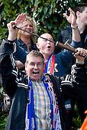HEERLERHEIDE 03/05/2009 GROENE STER - UDI19. COMPETITIEWEDSTRIJD EERSTE KLASSE - SEIZOEN 2008-2009. JUICHENDE UDI FANS NA LAATSTE FLUITSIGNAAL. Foto: John Kraijenbrink/Pix4Profs
