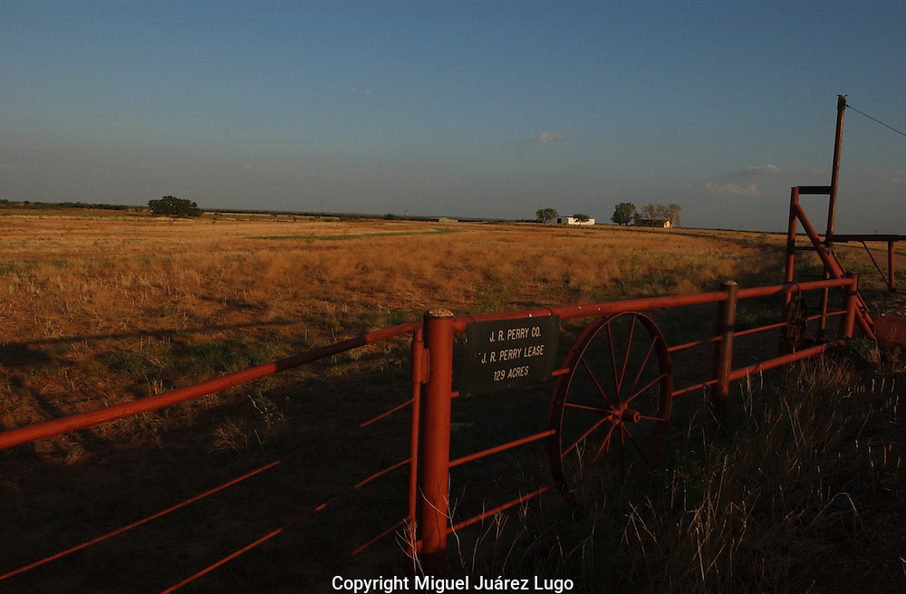 A parcel of land leased by Ray Perry, the father of Republican presidential candidate Rick Perry, in Paint Creek TX. (PHOTO: MIGUEL JUAREZ LUGO).