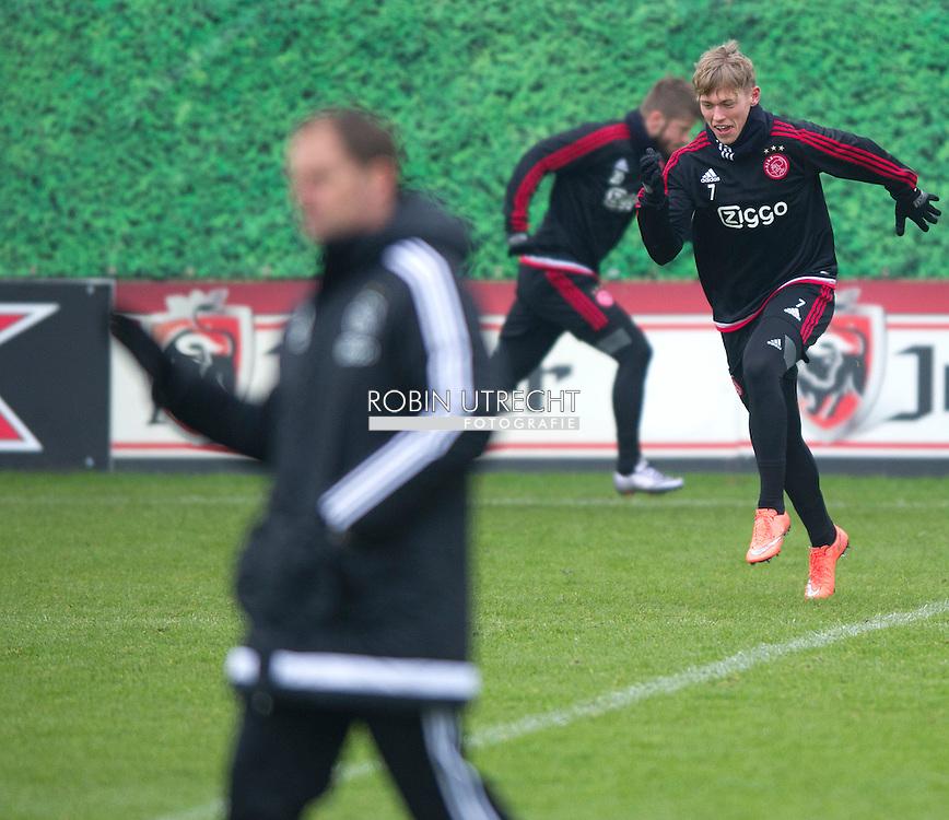 26-02-2016 VOETBAL: TRAINING AJAX: AMSTERDAM  Viktor Fischer (Ajax)  copyright robin utrecht