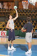 DESCRIZIONE : Bormio Raduno Collegiale Nazionale Maschile Preparazione Fisica  <br /> GIOCATORE : Angelo Gigli Giovanni Bendetto <br /> SQUADRA : Nazionale Italia Uomini <br /> EVENTO : Raduno Collegiale Nazionale Maschile <br /> GARA : <br /> DATA : 25/07/2008 <br /> CATEGORIA : Allenamento <br /> SPORT : Pallacanestro <br /> AUTORE : Agenzia Ciamillo-Castoria/S.Silvestri <br /> Galleria : Fip Nazionali 2008 <br /> Fotonotizia : Bormio Raduno Collegiale Nazionale Maschile Preparazione Fisica <br /> Predefinita :