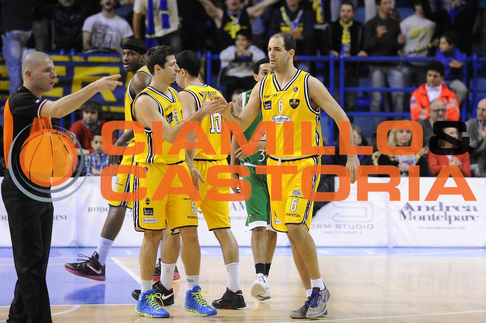 DESCRIZIONE : Porto San Giorgio Lega A 2013-14 Sutor Montegranaro Montepaschi Siena<br /> GIOCATORE : Zeliko Sakic<br /> CATEGORIA : esultanza<br /> SQUADRA : Sutor Montegranaro Montepaschi Siena<br /> EVENTO : Campionato Lega A 2013-2014<br /> GARA : Sutor Montegranaro Montepaschi Siena<br /> DATA : 03/03/2014<br /> SPORT : Pallacanestro <br /> AUTORE : Agenzia Ciamillo-Castoria/C.De Massis<br /> Galleria : Lega Basket A 2013-2014  <br /> Fotonotizia : Porto San Giorgio Lega A 2013-14 Sutor Montegranaro Montepaschi Siena<br /> Predefinita :