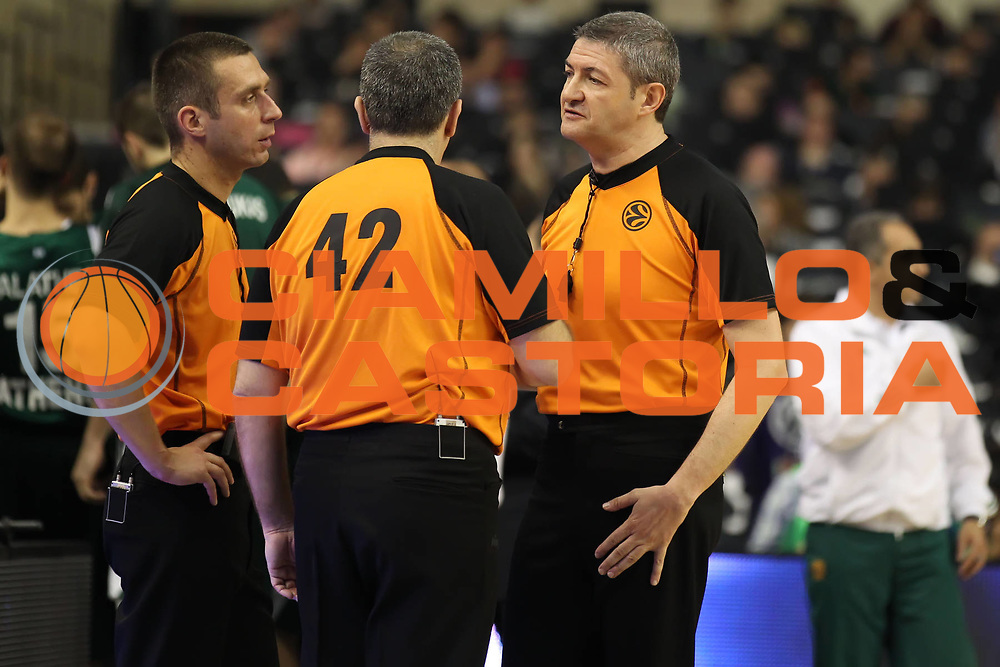 DESCRIZIONE : Barcellona Barcelona Eurolega Eurolegue 2010-11 Final Four Finale Final Maccabi Electra Tel Aviv Panathinaikos<br /> GIOCATORE : Luigi Lamonica<br /> SQUADRA :<br /> EVENTO : Eurolega 2010-2011<br /> GARA : Maccabi Electra Tel Aviv Panathinaikos<br /> DATA : 08/05/2011<br /> CATEGORIA : arbitro referees<br /> SPORT : Pallacanestro<br /> AUTORE : Agenzia Ciamillo-Castoria/ElioCastoria<br /> Galleria : Eurolega 2010-2011<br /> Fotonotizia : Barcellona Barcelona Eurolega Eurolegue 2010-11 Final Four Finale Final Maccabi Electra Tel Aviv Panathinaikos<br /> Predefinita :