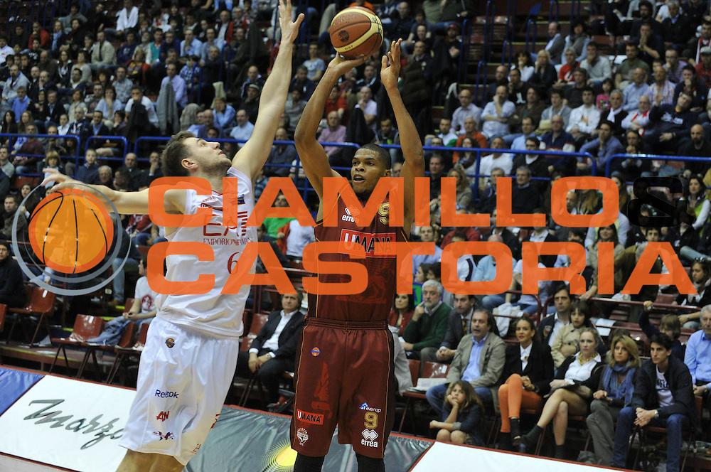 DESCRIZIONE : Milano Lega A 2011-12 EA7 Emporio Armani Milano Umana Venezia <br /> GIOCATORE : tamar slay<br /> CATEGORIA :  tiro<br /> SQUADRA : EA7 Emporio Armani Milano Umana Venezia <br /> EVENTO : Campionato Lega A 2011-2012<br /> GARA : EA7 Emporio Armani Milano Umana Venezia <br /> DATA : 01/04/2012<br /> SPORT : Pallacanestro<br /> AUTORE : Agenzia Ciamillo-Castoria/M.Gregolin<br /> Galleria : Lega Basket A 2011-2012<br /> Fotonotizia :  Milano Lega A 2011-12 EA7 Emporio Armani Milano Umana Venezia  <br /> Predefinita :