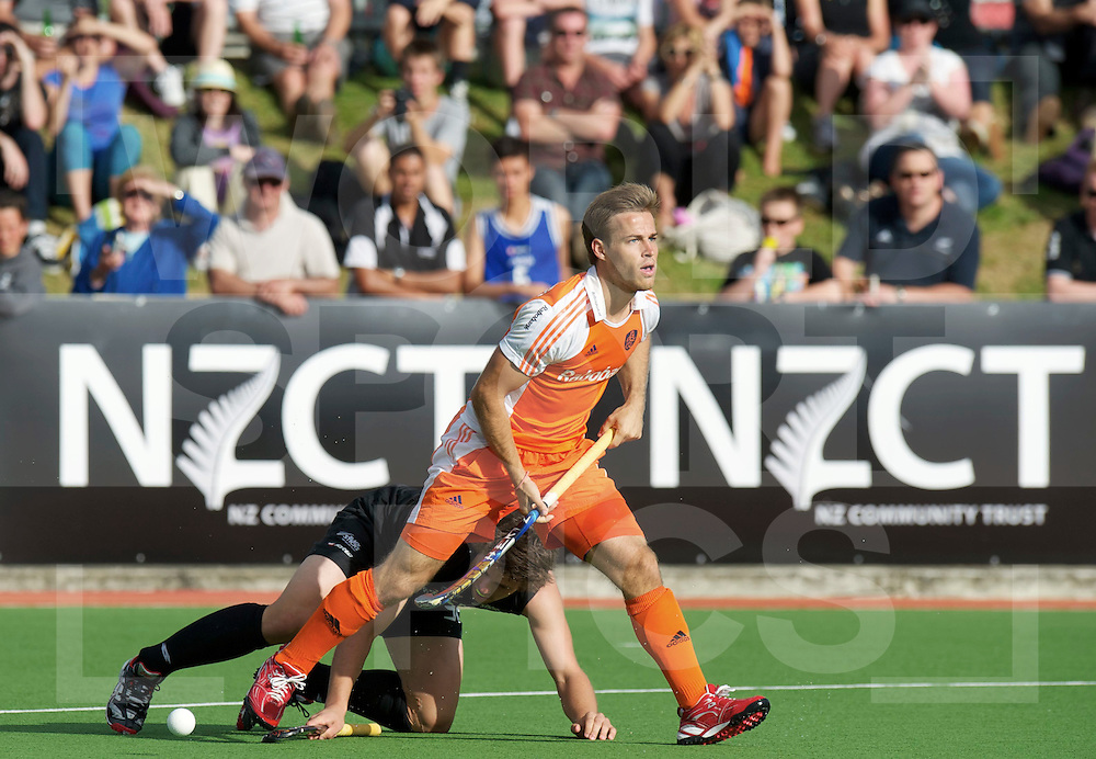 AUCKLAND - Champions Trophy men.Netherlands v New Zealand.foto: Jeroen Hertzberger stapt over Wilson heen..FFU Press Agency  COPYRIGHT FRANK UIJLENBROEK..