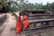 01 Apr 1996, Polonnaruwa, Sri Lanka --- Novice Buddhist Monks at Polonnaruwa, Sri Lanka --- Image by © Jeremy Horner/CORBIS