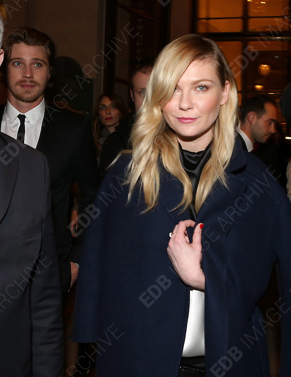 04.MARCH.2013. PARIS<br /> <br /> KIRSTEN DUNST AND HER BOYFRIEND GARRETT HEDLUND LEAVE THEIR HOTEL ON THEIR WAY TO DINNER DURING THE FALL-WINTER 2013/2014 READY-TO-WEAR FASHION WEEK, IN PARIS, FRANCE. <br /> <br /> BYLINE: EDBIMAGEARCHIVE.CO.UK<br /> <br /> *THIS IMAGE IS STRICTLY FOR UK NEWSPAPERS AND MAGAZINES ONLY*<br /> *FOR WORLD WIDE SALES AND WEB USE PLEASE CONTACT EDBIMAGEARCHIVE - 0208 954 5968*