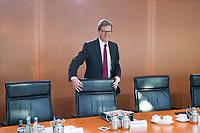 06 FEB 2013, BERLIN/GERMANY:<br /> Guido Westerwelle, FDP, Bundesaussenminister, an seinem Platz, vor Beginn der Kabinettsitzung, Bundeskanzleramt<br /> IMAGE: 20130206-01-001<br /> KEYWORDS: Sitzung, Kabinett