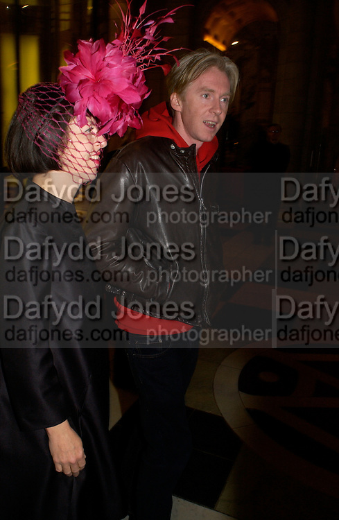 "Isabella Blow and Philip Treacy. The private views for Anna Piaggi's exhibition ""Fashion-ology"" and also 'Popaganda: the life and style of JC de Castelbajacat' the Victoria & Albert Museum on January 31  2006. © Copyright Photograph by Dafydd Jones 66 Stockwell Park Rd. London SW9 0DA Tel 020 7733 0108 www.dafjones.com"