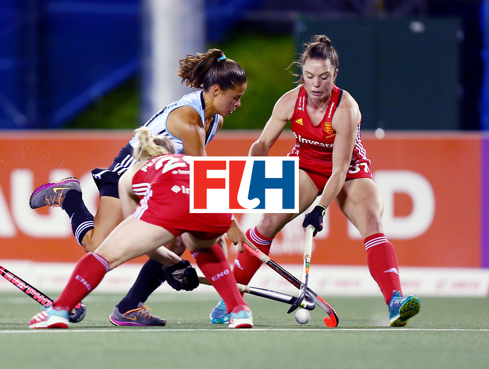 New Zealand, Auckland - 19/11/17  <br /> Sentinel Homes Women&rsquo;s Hockey World League Final<br /> Harbour Hockey Stadium<br /> Copyrigth: Worldsportpics, Rodrigo Jaramillo<br /> Match ID: 10298 - ARG vs ENG<br /> Photo: (20) VON der HEYDE Lucina against (20) PEARNE-WEBB Hollie and (31) BALSDON Grace