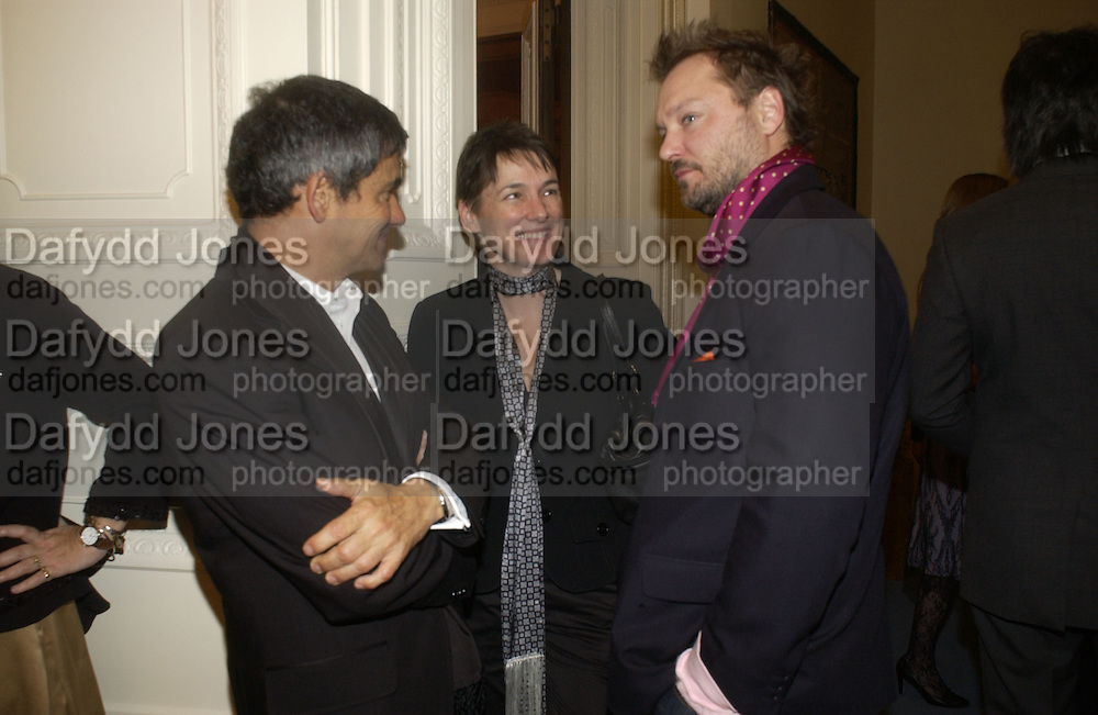 Harry Handlesman, Sadie Coles and Juergen Teller. Dinner at the Italian Embassy in which the winner of the MaxMara Art Prize for Women is announced. Grosvenor Sq. London . 2 February  2006. © Copyright Photograph by Dafydd Jones 66 Stockwell Park Rd. London SW9 0DA Tel 020 7733 0108 www.dafjones.com