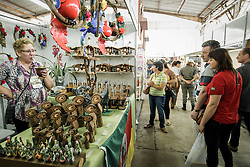Pavilhão do Artesanato Gaúcho na 39ª Expointer, Exposição Internacional de Animais, Máquinas, Implementos e Produtos Agropecuários. A maior feira a céu aberto da América Latina,  promovida pela Secretaria de Agricultura e Pecuária do Governo do Rio Grande do Sul, ocorre no Parque de Exposições Assis Brasil, entre 27 de agosto e 04 de setembro de 2016 e reúne as últimas novidades da tecnologia agropecuária e agroindustrial. FOTO: Itamar Aguiar / Agência Preview