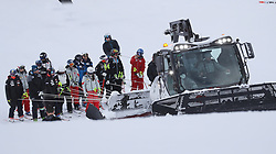02.12.2017, Lake Louise, CAN, FIS Weltcup Ski Alpin, Lake Louise, Abfahrt, Damen, im Bild Athleten und Trainer werden mit dem Pistengerät an den Start gebracht // Athletes and coaches are brought to the start with the snow Cat in action during the ladie's downhill of FIS Ski Alpine World Cup in Lake Louise, Canada on 2017/12/02. EXPA Pictures © 2017, PhotoCredit: EXPA/ SM<br /> <br /> *****ATTENTION - OUT of GER*****