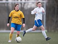 FODBOLD: Line Andersen (Ølstykke FC) under kampen i Sjællandsserien mellem Ølstykke FC og Herlufsholm GF den 12. april 2018 på Ølstykke Stadion (kunstgræs). Foto: Claus Birch.