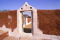Inde, Rajasthan, Village peint des environs de Barmer // India, Rajasthan, Village near Barmer