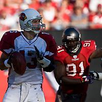 04 November 2007: Arizona Cardinals quaterback #13 Kurt Warner rolls out to pass during the Tampa Bay Buccaneers 17-10 victory over the Arizona Cardinals at Raymond James Stadium in Tampa, Florida, USA.