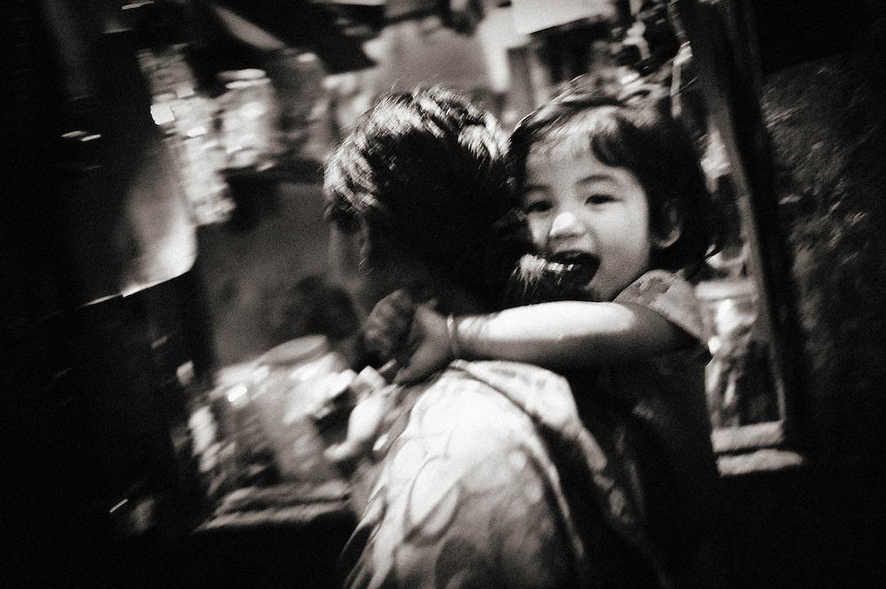 Asia, Tibet, Bhutan, Thimpu, mother, daughter, kid