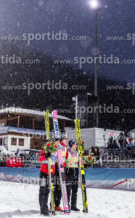 01.03.2019, Seefeld, AUT, FIS Weltmeisterschaften Ski Nordisch, Seefeld 2019, Skisprung, Herren, Flower Zeremonie, im Bild Silbermedaillengewinner Kamil Stoch (POL), Goldmedaillengewinner und Weltmeister Dawid Kubacki (POL), Bronzemedaillengewinner Stefan Kraft (AUT) // Silver medallist Kamil Stoch (POL) Gold Medallist and World Champion Dawid Kubacki (POL) Bronze medallist Stefan Kraft (AUT) during the flowers ceremony for the men's Skijumping of FIS Nordic Ski World Championships 2019. Seefeld, Austria on 2019/03/01. EXPA Pictures © 2019, PhotoCredit: EXPA/ JFK