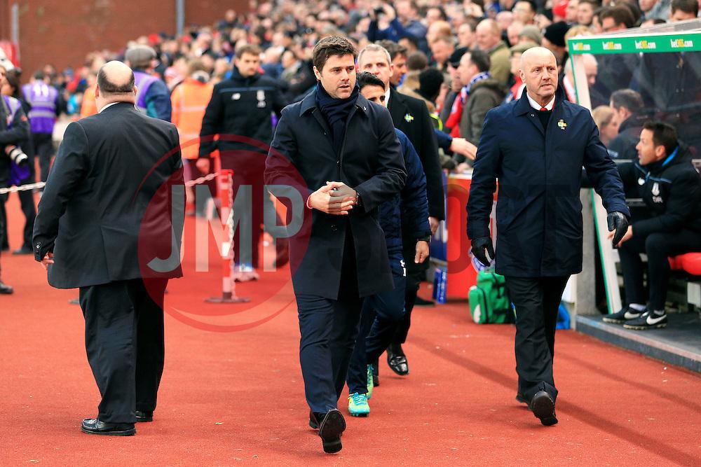 Tottenham Hotspur Manager Mauricio Pochettino  - Mandatory by-line: Matt McNulty/JMP - 18/04/2016 - FOOTBALL - Britannia Stadium - Stoke, England - Stoke City v Tottenham Hotspur - Barclays Premier League