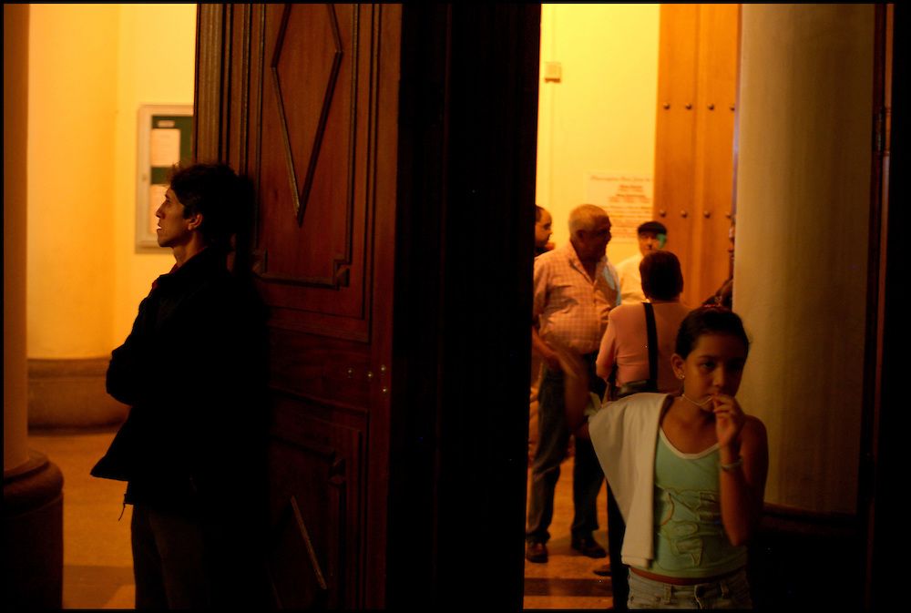 FAITH WEEK / SEMANA DE F&Eacute; <br /> Photography by Aaron Sosa<br /> Caracas - Venezuela 2009<br /> (Copyright &copy; Aaron Sosa)