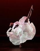 Cry.Alvin Ailey American Dance Theater.Choreography by Alvin Ailey.Credit photo: ©Paul Kolnik.paul@paulkolnik.com.nyc  212-362-7778
