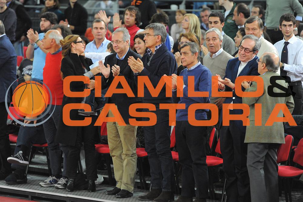 DESCRIZIONE : Roma Lega A 2010-11 Lottomatica Virtus Roma Montepaschi Siena<br /> GIOCATORE : Valter Veltroni Tanjevic Toti<br /> SQUADRA : Lottomatica Virtus Roma Montepaschi Siena<br /> EVENTO : Campionato Lega A 2010-2011 <br /> GARA : Lottomatica Virtus Roma Montepaschi Siena<br /> DATA : 16/01/2011<br /> CATEGORIA : Before<br /> SPORT : Pallacanestro <br /> AUTORE : Agenzia Ciamillo-Castoria/GiulioCiamillo<br /> Galleria : Lega Basket A 2010-2011 <br /> Fotonotizia : Roma Lega A 2010-11 Lottomatica Virtus Roma Montepaschi Siena<br /> Predefinita :
