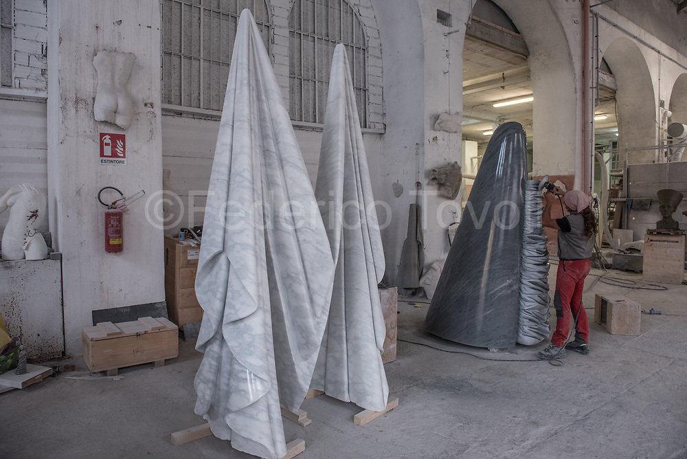 At work in the Sculptor Cooperative