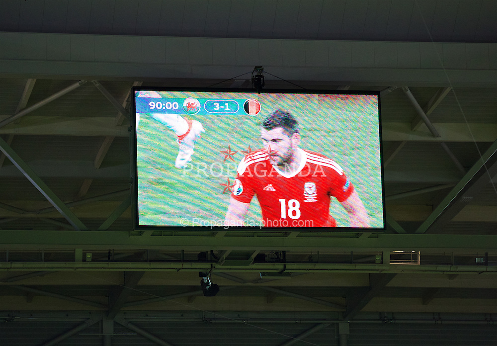 LILLE, FRANCE - Friday, July 1, 2016: The scoreboard show's Wales' 3-1 victory over Belgium during the UEFA Euro 2016 Championship Quarter-Final match at the Stade Pierre Mauroy. (Pic by David Rawcliffe/Propaganda)