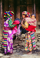 Nepal. Province de Nuwakot. Femme d'ethnie Tamang. // Nepal. Nuwakot province. Woman from Tamang ethnie group.