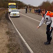 Dodelijk ongeval Randweg Huizen, sporenonderzoek door verkeersdienst.politie, beknelling, verkeer, brandweer, ambulance, trauma,