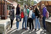 ROMA 27.03.2010<br /> PROGETTO COLLEGE ITALIA <br /> NELLA FOTO: LE ATLETE DEL TEAM COLLEGE ITALIA AL CENTRO SPORTIVO CONI GIULIO ONESTI ALL'ACQUA CETOSA MENTRE TORNANO DA SCUOLA