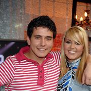 NLD/Weesp/20070311 - 1e Live uitzending Just the Two of Us, deelnemers, Monique Smit en broer Jan Smit